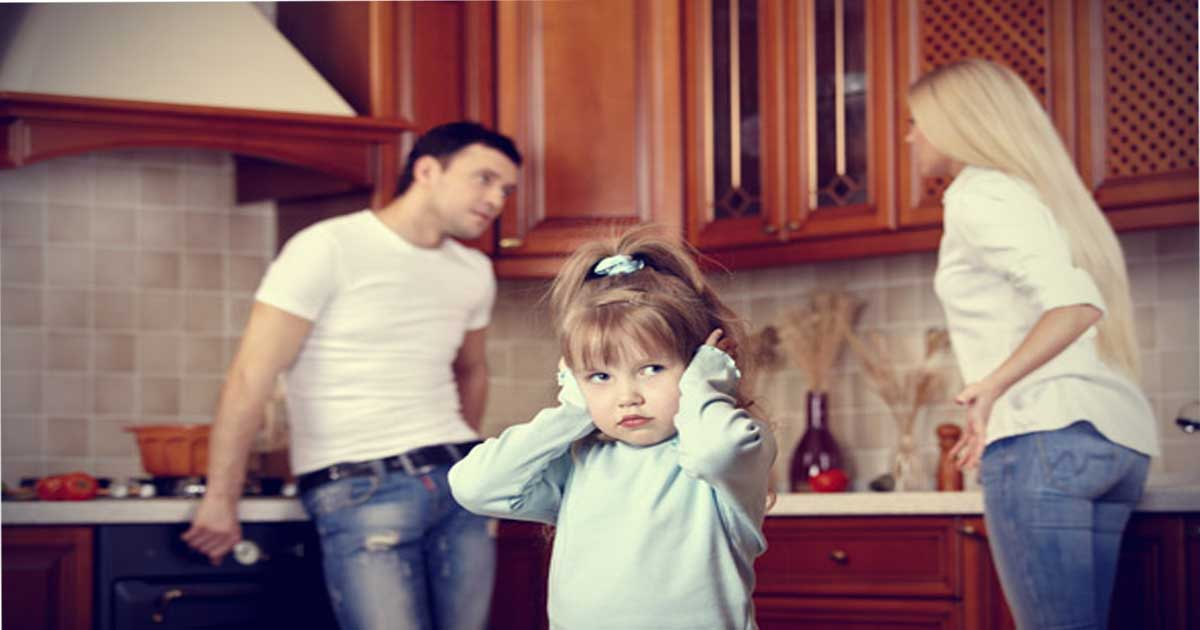 things you should never do around your child 2